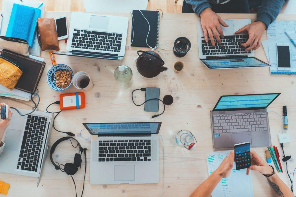 Online training requires fast fiber internet - Streamtech-min