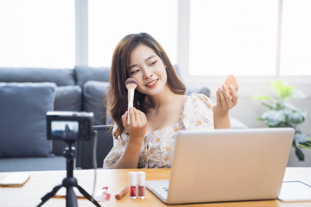 Vlogging - Reliable internet plans - fiber internet - streamtech
