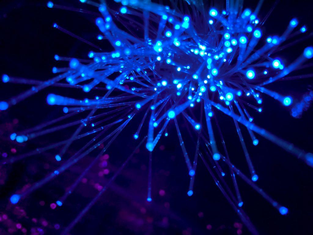 fiber internet - mobile data - streamtech