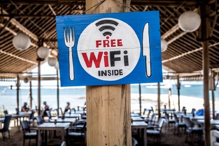 wifi network - wifi vs internet - streamtech fiber internet